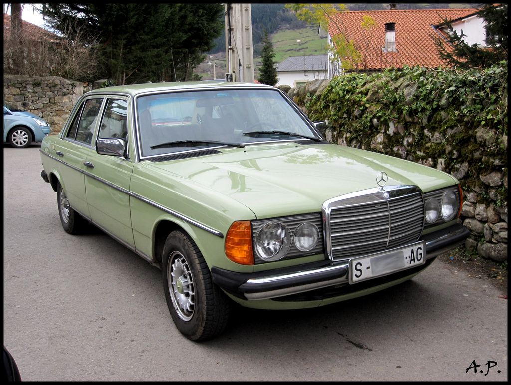 Tips for buying an old mercedes best models and more for Old mercedes benz models