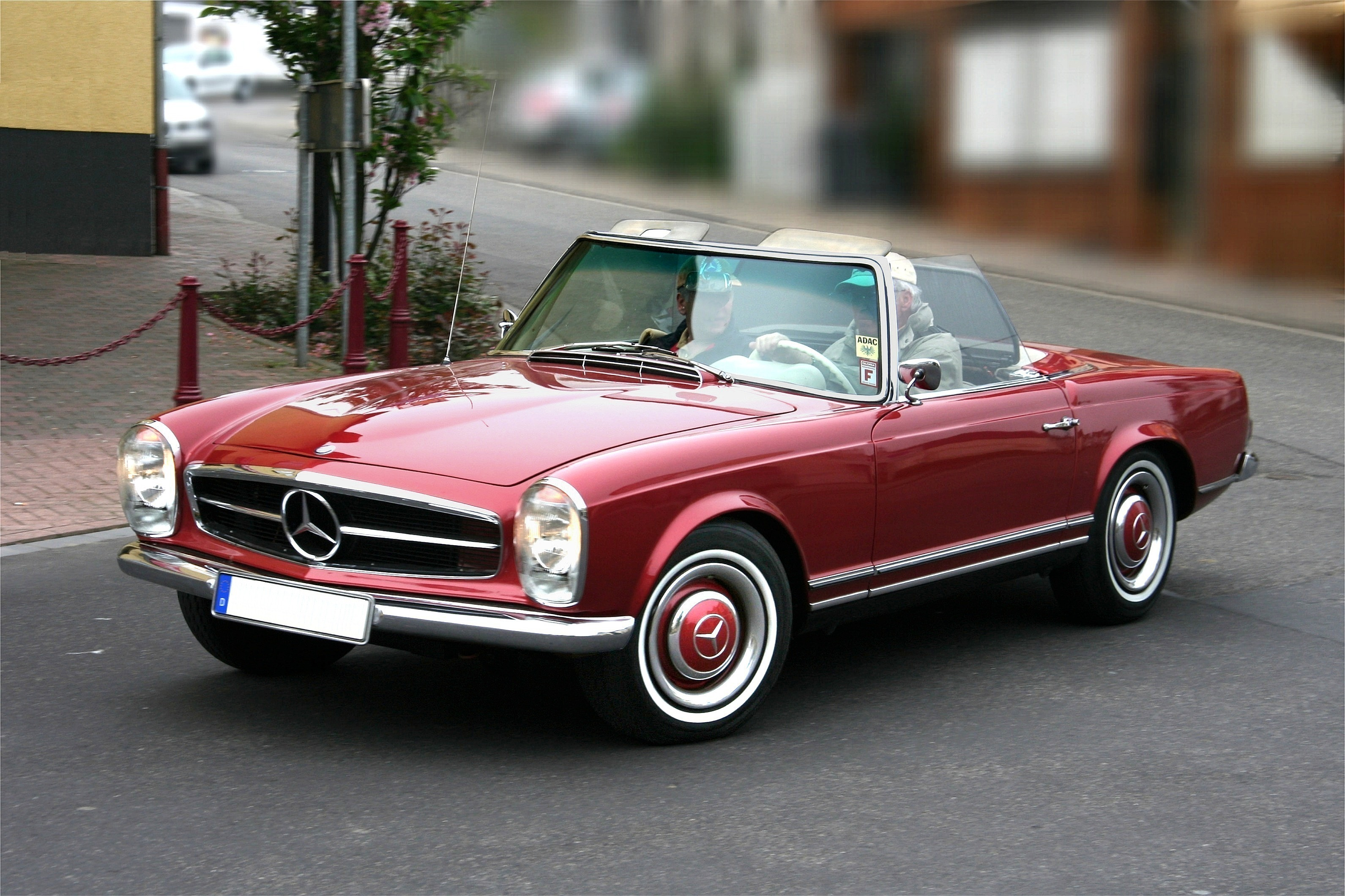 Tips for buying an old mercedes best models and more for Mercedes benz pagoda