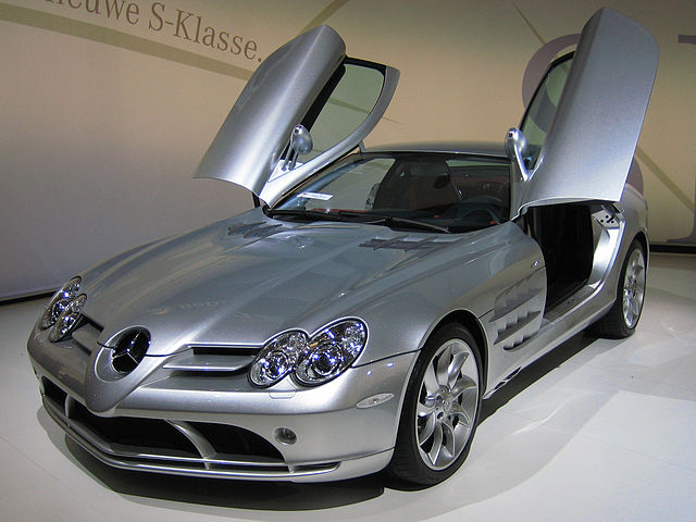 640px-Mercedes-Benz_SLR_McLaren_2_cropped & A Guide to Gull-Wing Doors: Mercedes Models u0026 More - The Benz Bin